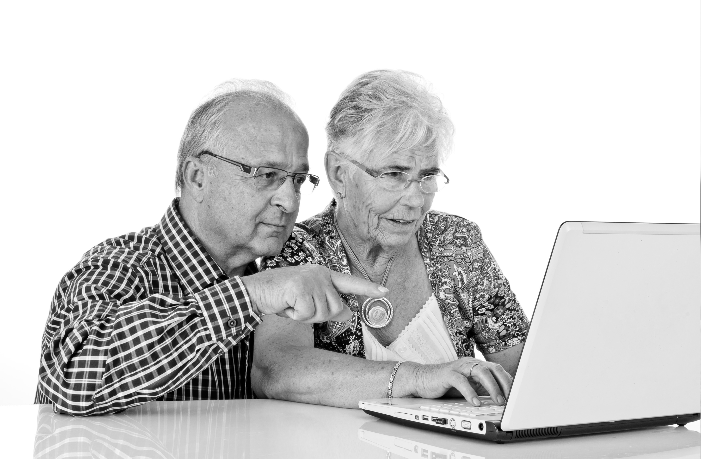 Elderly Using Facebook Iphones And Using Facebook